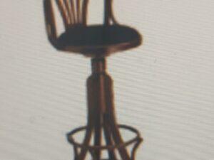 Sgabello con schienale sedile in ecopelle nero h. 80